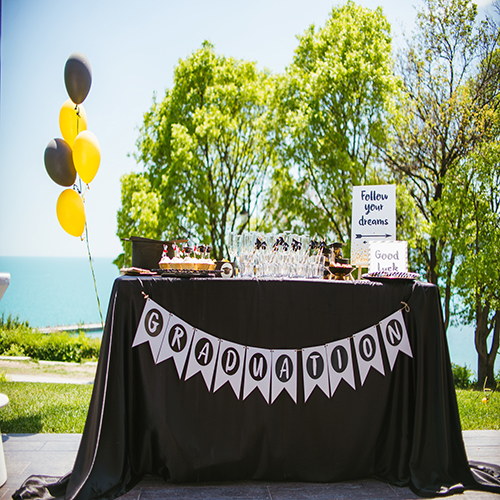 Graduation party table setting